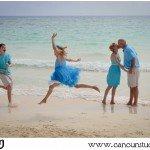 family beach portraits in cancun