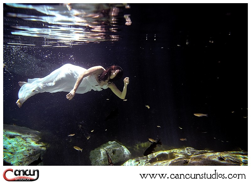Underwater Trash The Dress Cancun