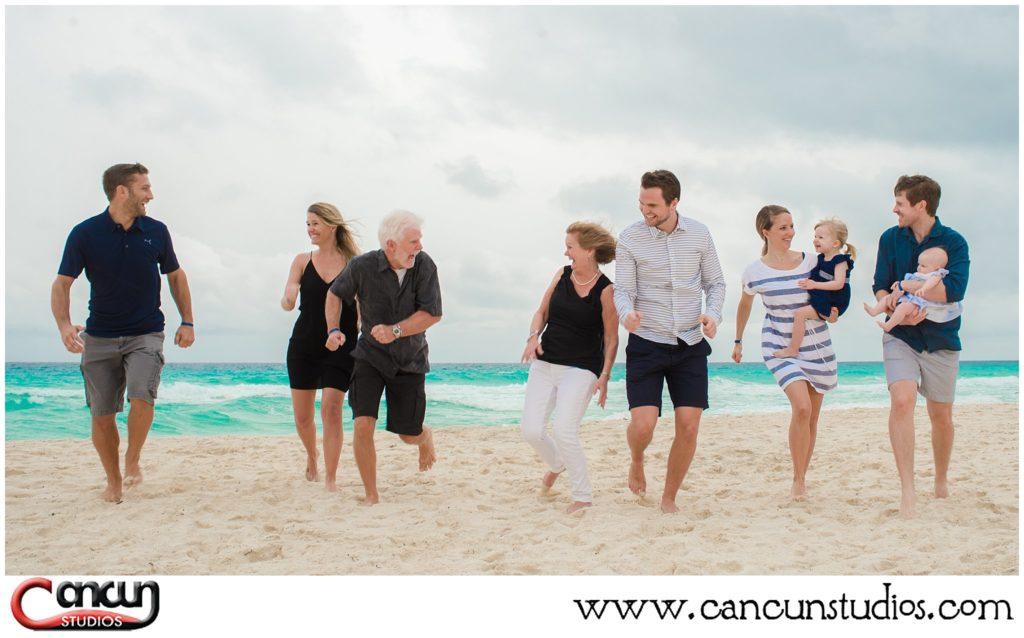 Family Reunion Portraits at Cancun Beach