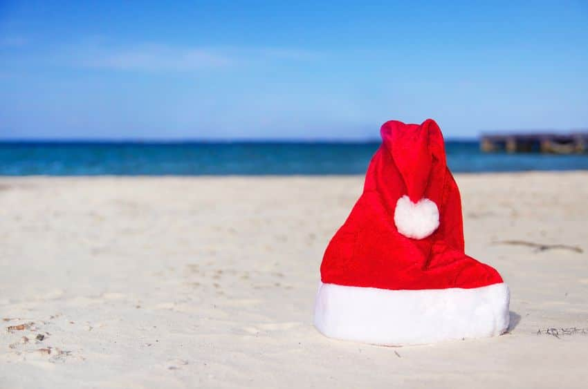 Classic Santa hats for your Holiday Portraits at the beach in Cancun