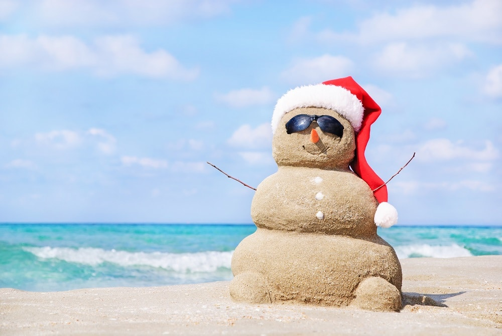 Snowman made of sand for your Cancun Holiday Portraits