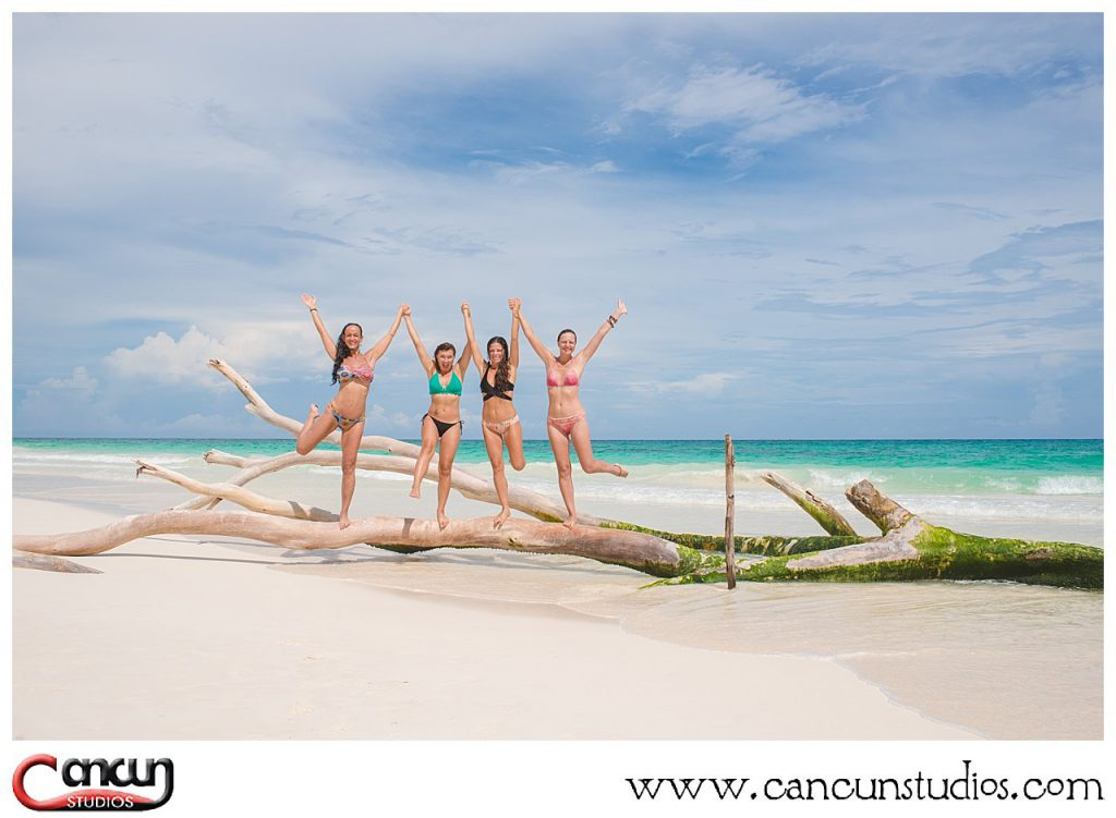 Swimsuit photo shoot in Cancun