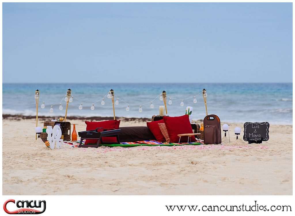 Picnic on the beach - Mexican theme