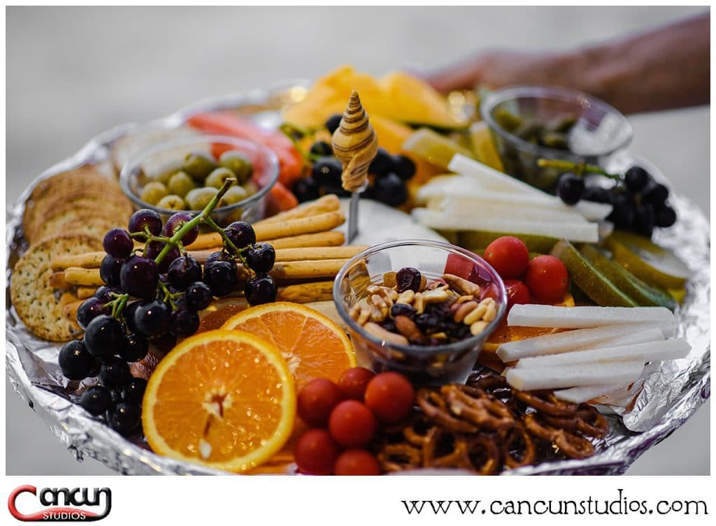 Picnic Platter to nibble on during your Cancun picnic